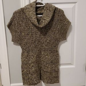 Short Sleeved Knit sweater
